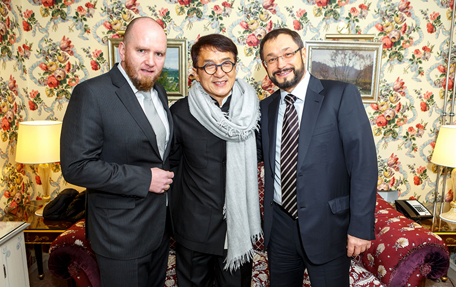 Глеб Фетисов (справа) и Джеки Чан в Москве