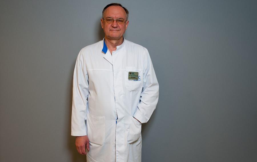 Профессор Алексей Кривошапкин – доктор медицинских наук, нейрохирург