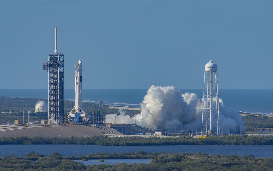 SpaceX может перенести первый запуск корабля с астронавтами к МКС