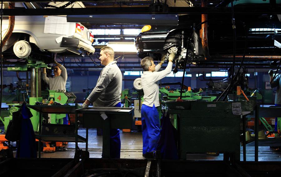 АвтоВАЗ снова повысит цены на модели Lada