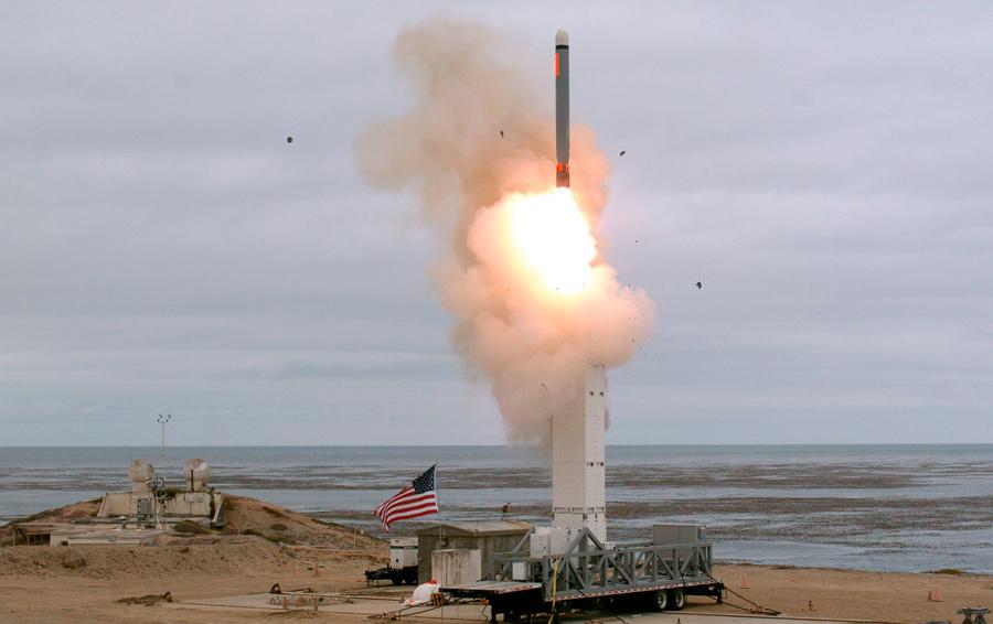 Запуск ракеты средней дальности в США 19 августа 2019 года