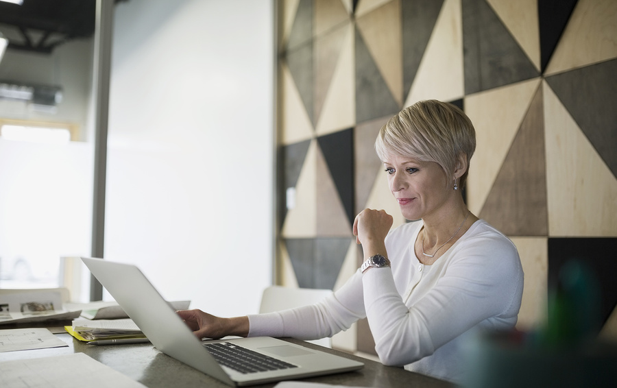 Заслуженный работник. Как женщине строить карьеру после 45