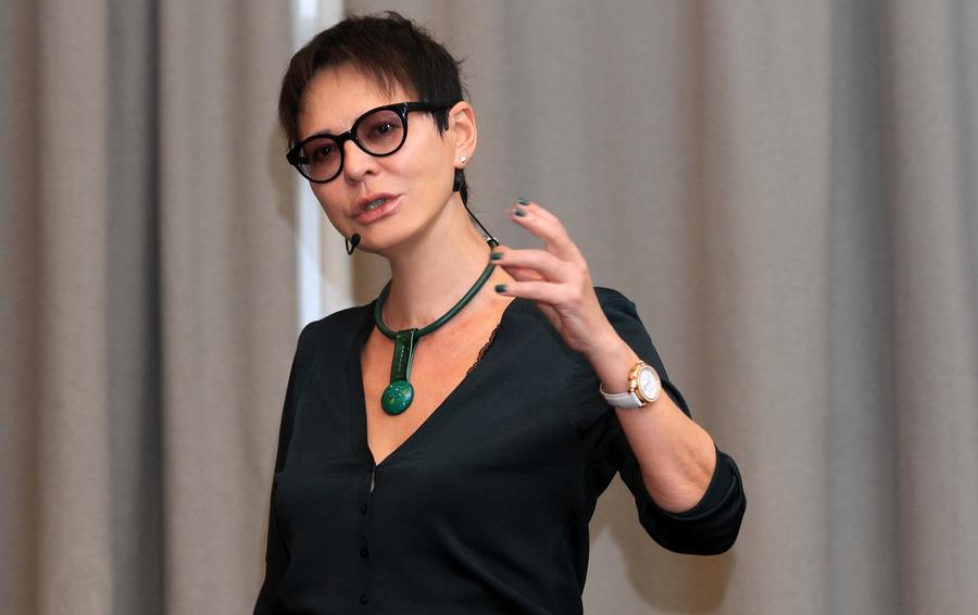Ирина Хакамада зарабатывает десятки тысяч евро в месяц на лекциях