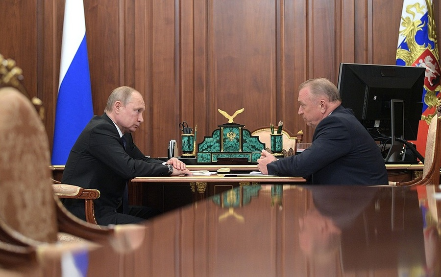 Путин поддержал идею упростить ведение семейного бизнеса в России