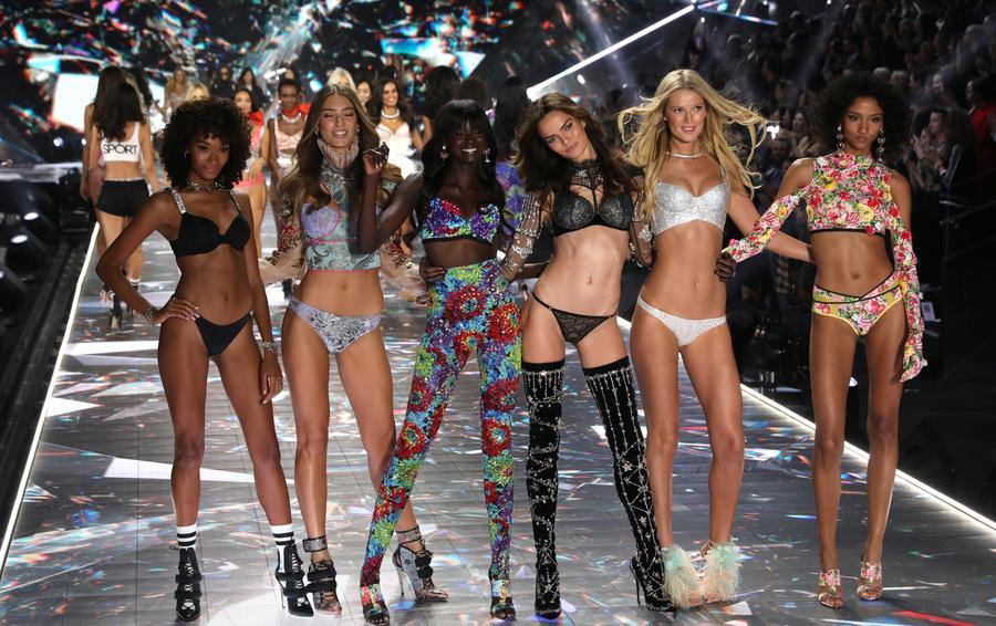 Ежегодный показ Victoria's Secret в 2018 году. В 2019-м показ был отменен