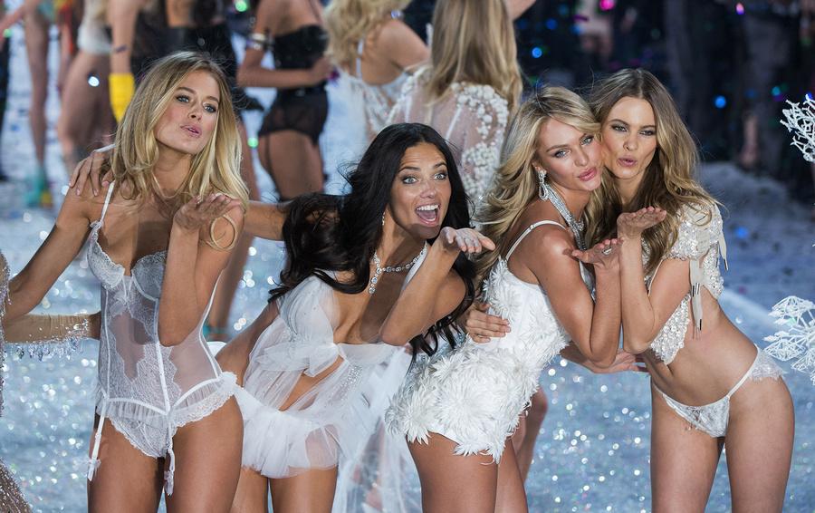 Кризис жанра. Почему Victoria's Secret пригласили модель-трансгендера, но это не спасет их от финансового краха