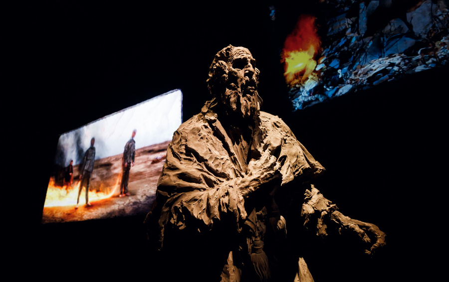 Инсталляция Александра Сокурова в павильоне России
