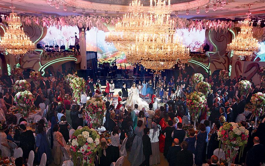 фото хадижи ужаховой со свадьбы гуцериева устаревший вариант гостиничного