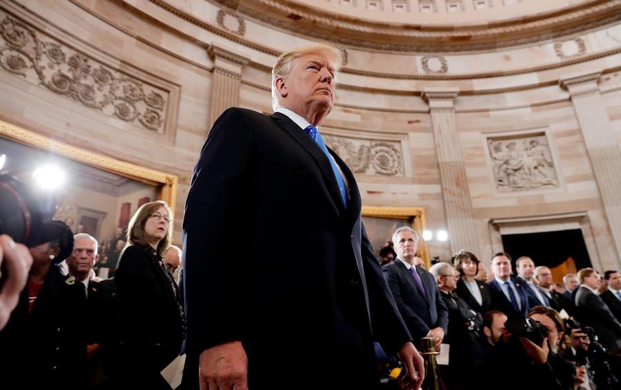 «Трамп попросил вмешаться в выборы»: почему беседа президента США с Зеленским вызвала скандал