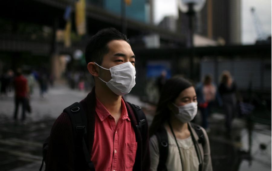 Некоторые симптомы коронавируса похожи на простуду или грипп