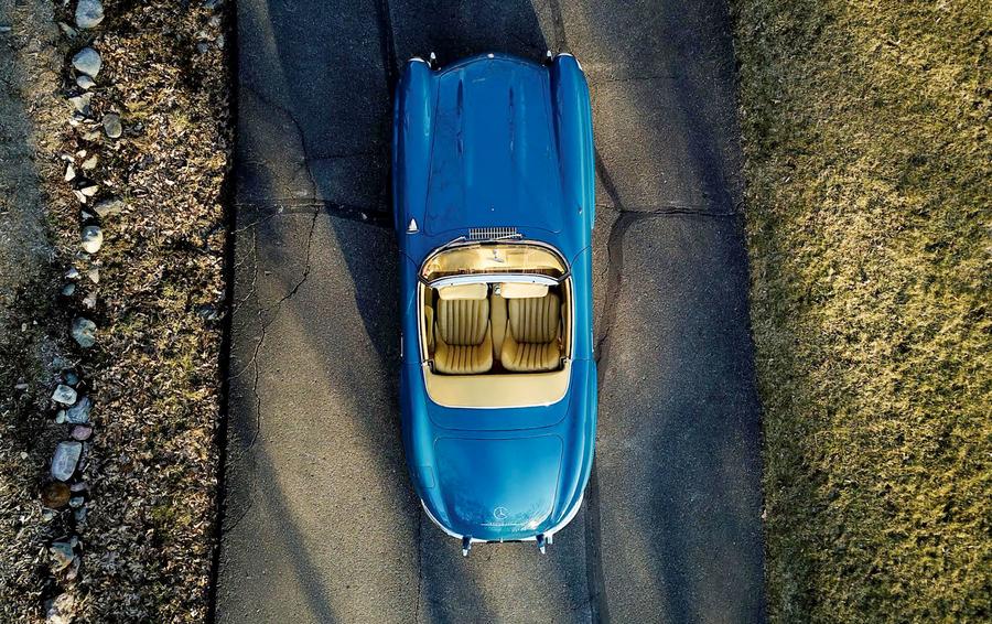 Машина американской мечты: три кабриолета на аукционе в Майами
