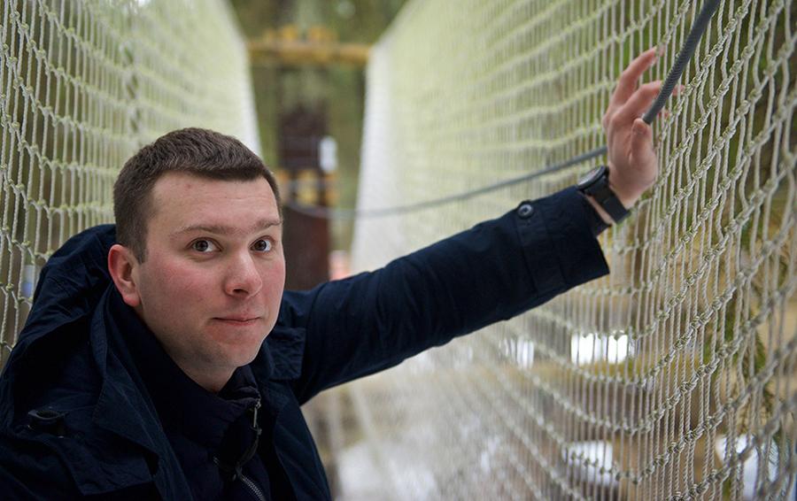 Федор Прилежаев увлекается спортивным туризмом, парусным спортом и горными лыжами. Бизнес он себе выбрал по душе.